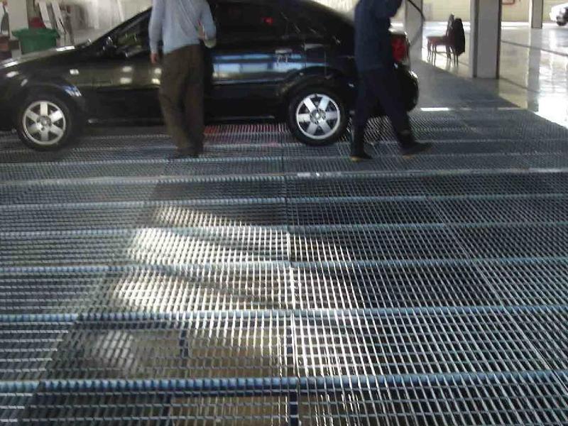 地下停车场钢格板应用案例